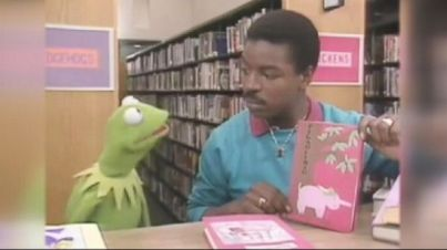 "LeVar Burton meets Kermit in the ""Pig"" aisle on Reading Rainbow."
