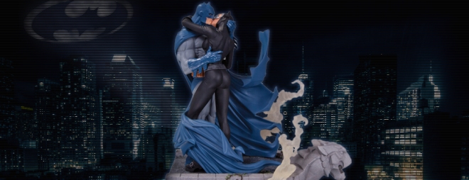 Batman-Hush-Batman-Catwoman-Kiss-Statue-DC-Collectibles-Slideshow