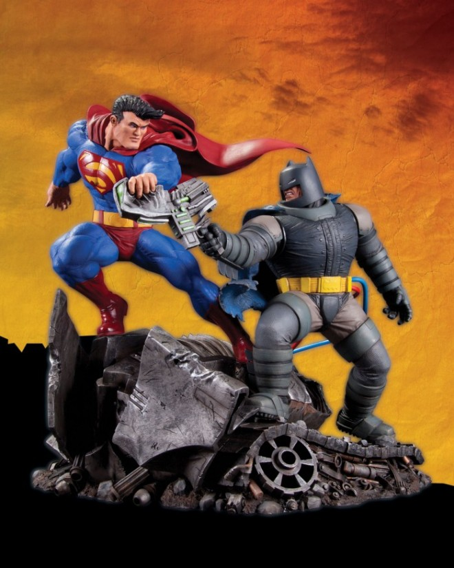 Superman-vs-Batman-Statue_1334163085