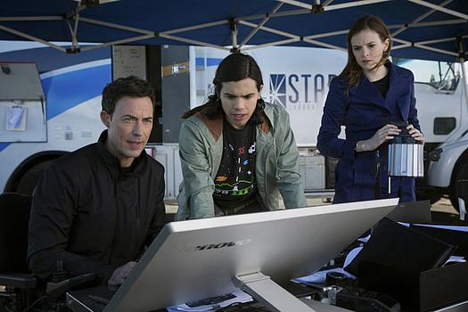 Barry's Gang: Harrison Wells, Cisco Ramon, and Caitlin Snow