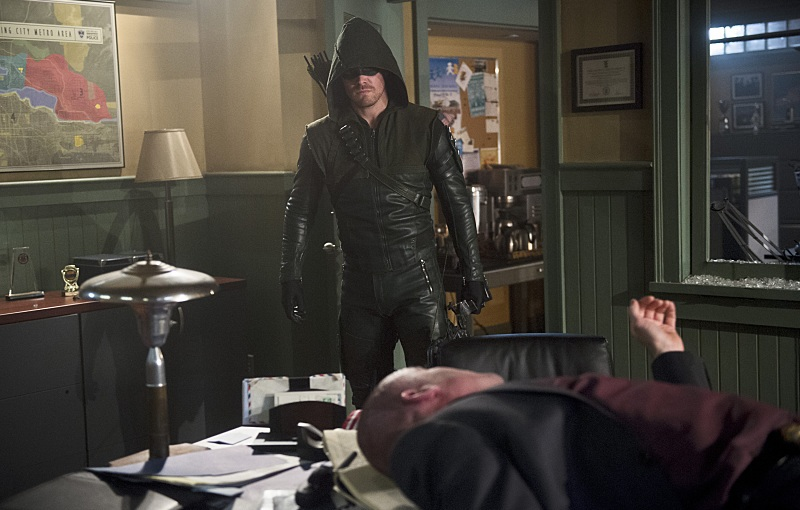 "Arrow Review – ""The Offer"" S3E16"