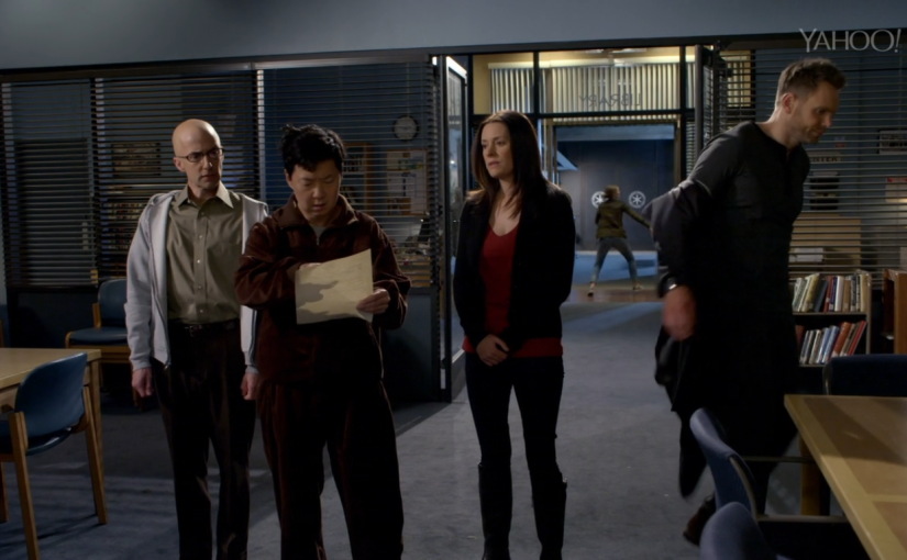 "Community Review – ""Basic Crisis Room Decorum"" S6E3"