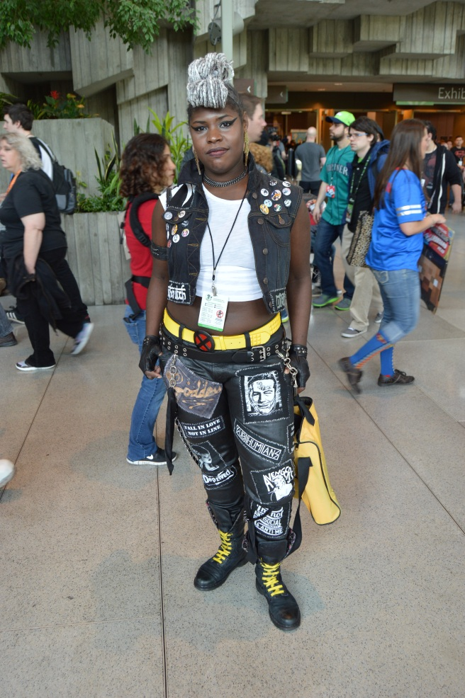 This Storm Cosplay was beyond badass.