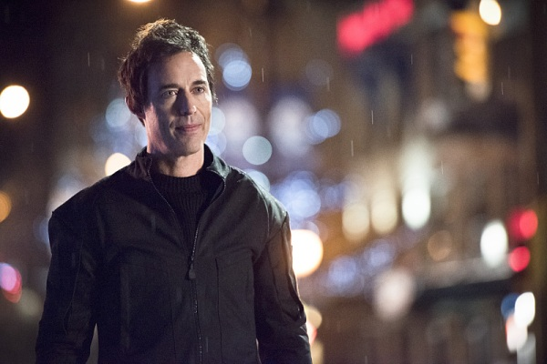 "The Flash -- ""Rogue Air"" -- Image FLA122C_0506b -- Pictured: Tom Cavanagh as Harrison Wells -- Photo: Dean Buscher /The CW -- © 2015 The CW Network, LLC. All rights reserved."