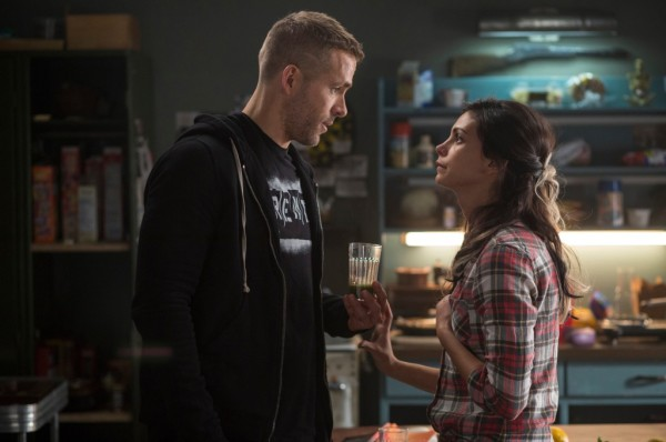 Wade Wilson (Ryan Reyonlds) and girlfriend Vanessa (Morena Baccarin) Photo Credit: Joe Lederer TM & © 2015 Marvel & Subs.  TM and © 2015 Twentieth Century Fox Film Corporation.  All rights reserved.  Not for sale or duplication.
